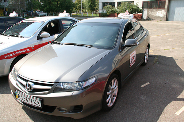 Honda Accord - фото